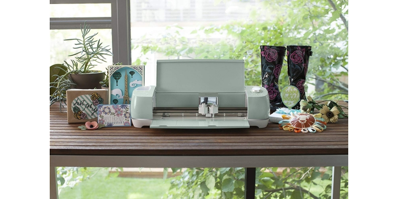 Cricut-Explore-Air-2-Mint-Table