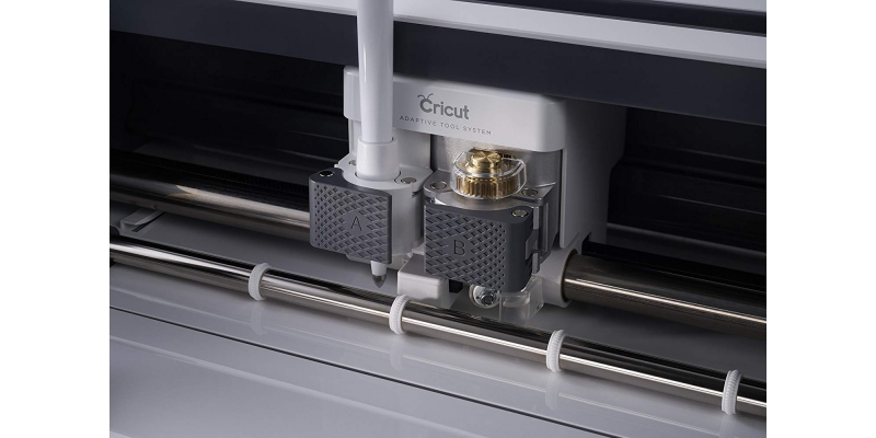 Cricut-Maker-Champagne-Solid